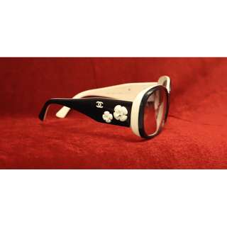Lady Chanel sunglasses fashion stylish (Used item)女裝眼鏡