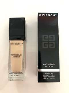 Givenchy Radiant Mat Fluid Foundation SPF 20 PA +++