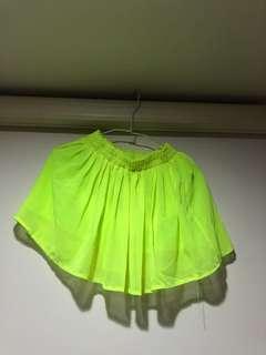 🚚 螢光黃短裙