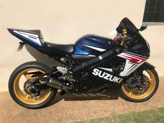 Gsxr K4 600 cc 🇲🇾 Condition Very2 Good. Just done full service and changed broken parts to a new one. Including exhaust . Sounds good . Engine smooth 👍 . Cash only: RM 24,500 . Area JB