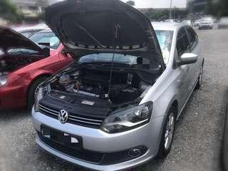 Volkswagen Polo Sedan 1.6 Auto Tahun 2012