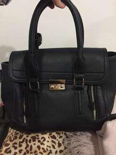 Black classy handbag slingbag