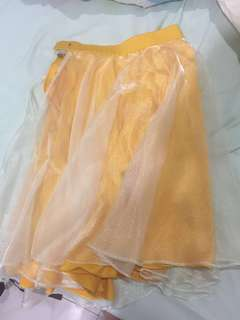 High waisted yellow dinner skirt