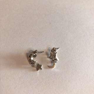 星星月亮耳環 超特別 包郵