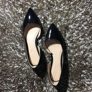 Pointed shoes - black