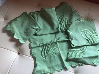Set green napkin (6 pcs) bonus bamboo table runner