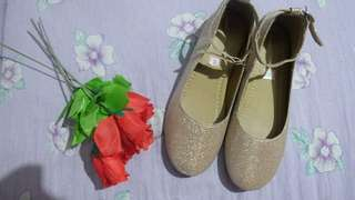 Gold shoes for kids