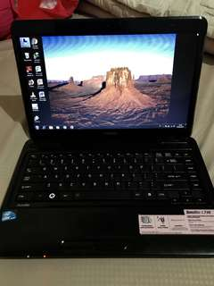 Laptop Toshiba core i3 satellite L740