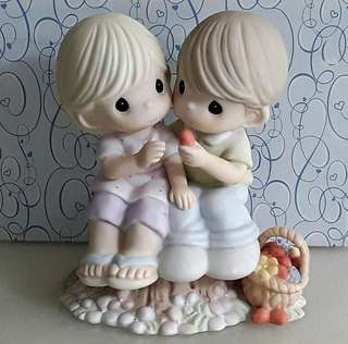 "Precious Moments Figurine  - ""They Will Know Us  By Our Love"""