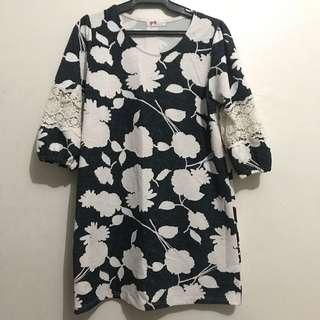 Floral-Lace box dress