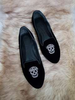 Authentic Alexander Mcqueen Skull Velvet Ladies Loafers In Black Size 36.5 also fits to size 37