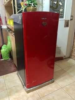 CONDURA CSD171SA 5.6 CU.FT. SINGLE DOOR REFRIGERATOR  5.6 cu.ft.  Single Door Refrigerator Semi-Auto