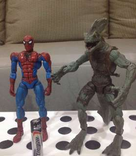 Spider Man and Ultimate Lizard action figure