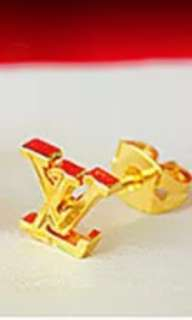 鍍金手鏈和LV耳環