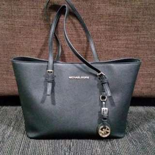 Michael Kors Black Jet Set Travel Tote Replica