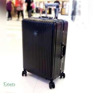 【正品】美國品牌 Hallmark 鋁框行李箱