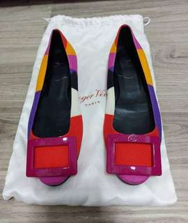 Roger Vivier shoes flat rv