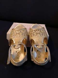 Gold Baby Sandal (GOOD LIKE NEW)