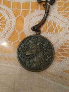 壬戌年1982滙豐銀行金屬匙扣,或有歲月留痕,完美主義者勿入。