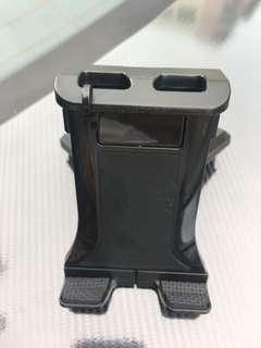 車用ipad 座,由電話到ipad 都用到。