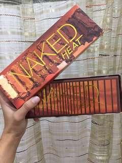 NAKED URBAN DECAY HEAT W/BOX
