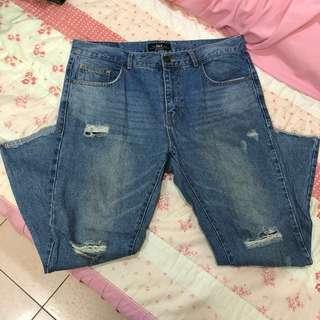 🚚 韓版 破壞 水洗 刀割 單寧牛仔褲 W34