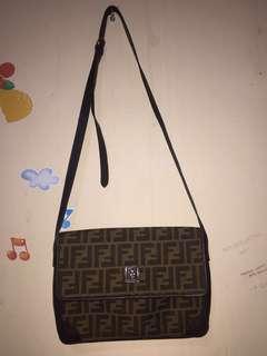 FENDI slingbag authentic
