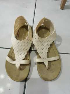 Kids shoes size 34