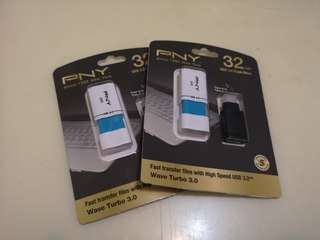 PNY 極速 3.0 USB + Type-C 3.1 轉換器 32GB