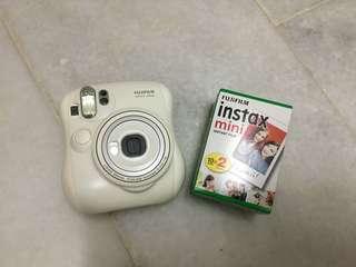 Fujifilm Instax Mini 25 + 20 films + 2 CR2 Battery