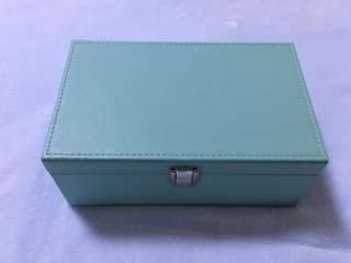 2 layers jewelry box