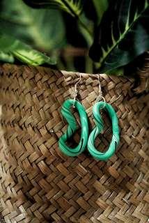 🚚 Foliage Twist Earrings