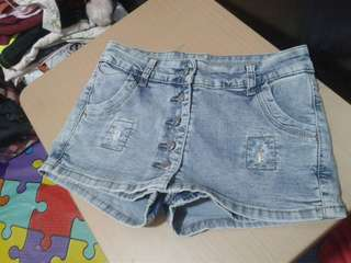 ONHAND  PRELOVED SHORTS,USED ONCE