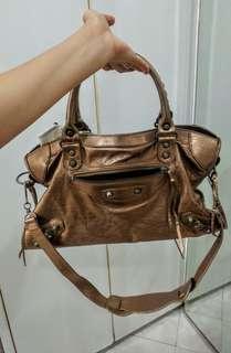 Shoulder/Hand bag( bronzy brown)