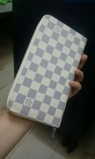 SALE Authentic Louis Vuitton Zippy Organizer in White Damier
