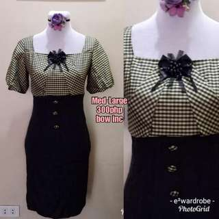 Checkered dress w bow