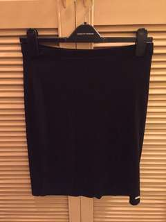 Pre-loved authentic Guess black skirt