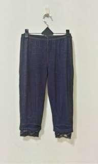 🚚 九成九新~ 香港品牌 牛仔布色 棉 七分 休閒褲 尺寸: FREE SIZE