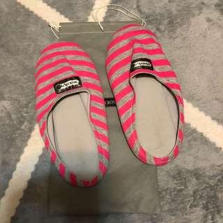 LeSportsac 限定禮 粉灰色條紋 室內拖鞋 全新未穿