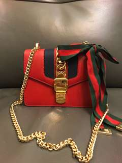 Gucci Sylvie mini chain bag - red