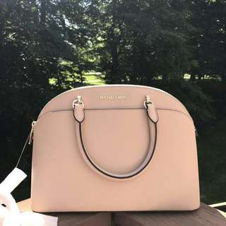 MICHAEL KORS EMMY LARGE DOME IN OYSTER