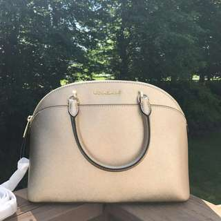 MICHAEL KORS EMMY LARGE DOME IN PALEGOLD