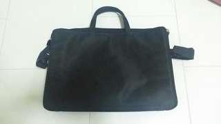 Black Laptop 14 Inch / Document Bag