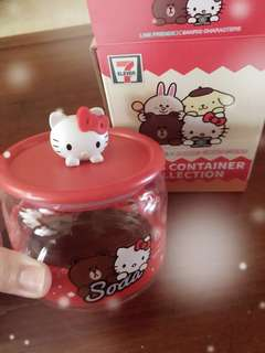 7-11 container with 3D Hello kitty