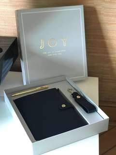 Kikki.k gift set joy with leather notebook, gold pen and keychain