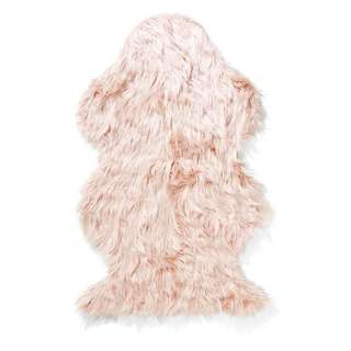 Fur Rug in Dusty Pink