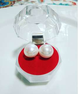 10k Pearl earring