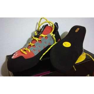 BNIB La Sportiva Tarantulace climbing shoes