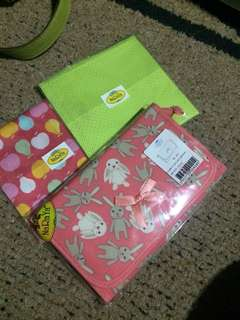 Naraya cosmetic pouch and hanky