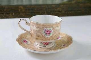 🚚 英國皇家亞伯特Royal Albert 骨瓷 1930年代